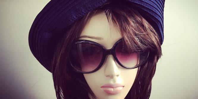 夏の帽子のおしゃれ