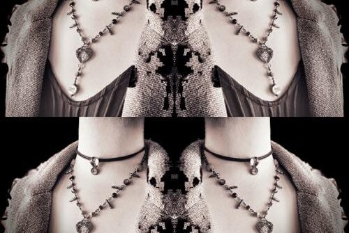 layering-of-chokers-and-necklaces